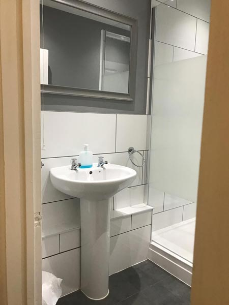 single-room-shared-bathroom-7